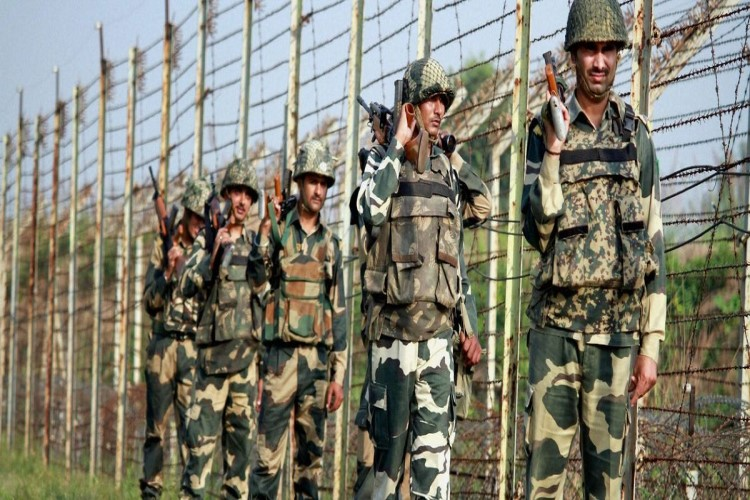 Jobs in Border Security Force (BSF) | 1072 Head Constable (Radio Operator/Mech)